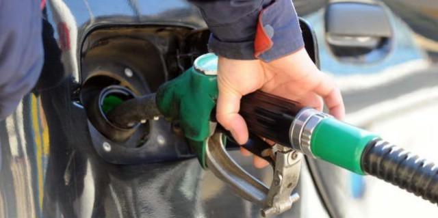 Od ponoći jeftinije gorivo