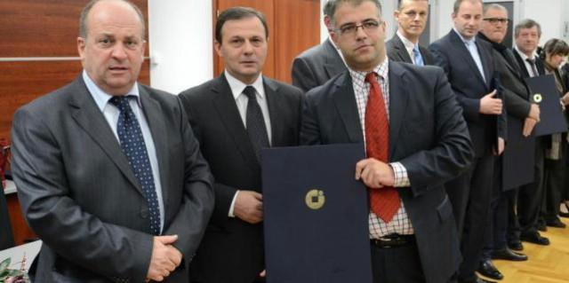 Obrtnička komora Istre nagradila zaslužne: Priznanje labinskom obrtniku Bubić Đaniju, zahvalnice Nevini Mujanović i Sabalić Dubravku