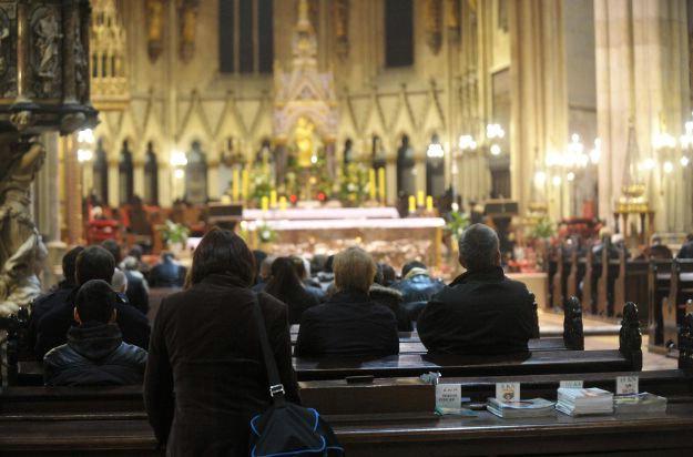 božićne čestitke crkvene Božićne čestitke biskupa kao prijetnja: Neće se Crkva odreći  božićne čestitke crkvene