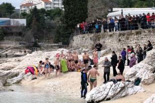 Prvog dana nove 2013. jubilarno deseto kupanje u Rapcu