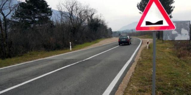Kršan: Rupe na cesti čekaju bolja vremena