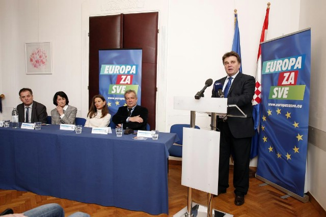 Jakovčić predstavio dio svoje liste za Europarlament