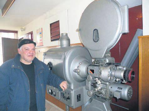 U priči sa Srećkom Prkutom, dobrim duhom labinskog kina: Sanjam parter pun glavica