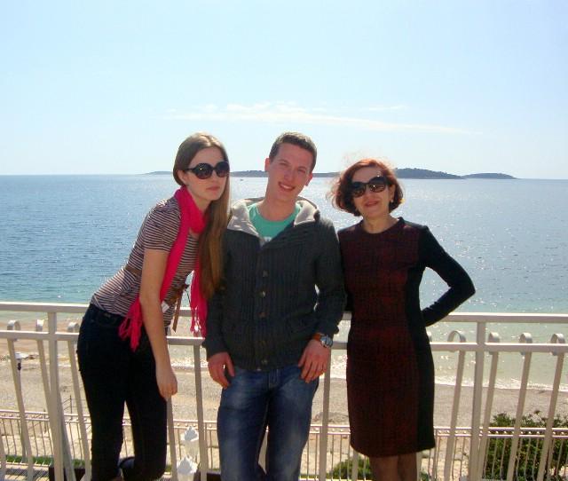 Učenici Laura Višnjić i Mihael Ilić s mentoricom Mirjanom Cvijin na državnom Lidranu