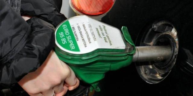 Od ponoći jeftinije gorivo, eurosuper 95 ispod 10 kn