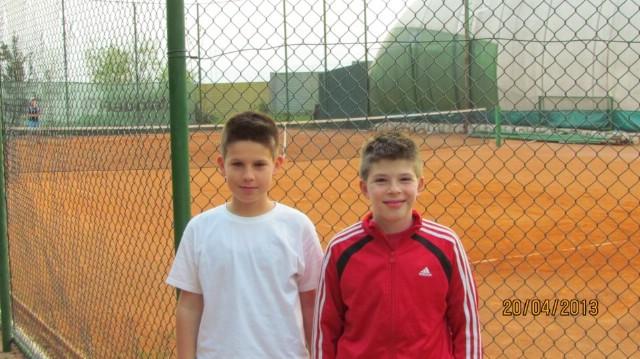 Rafael Santaleza i Teo Verbanac iz TK Rabac nastupili na teniskom turniru za dječake do 12 godina u Rijeci