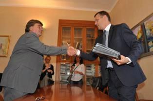 Jakovčić predao dužnost župana Flegi