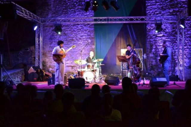 Nastupom Denisa Razumovića Razza i njegovog Jazz Quarteta  sinoć je započeo Labin Jazz Festival - Večeras Marko Tolja i Dina Rizvić