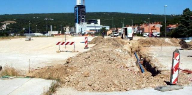 Plomin Luka: Trajektno parkiralište u rujnu