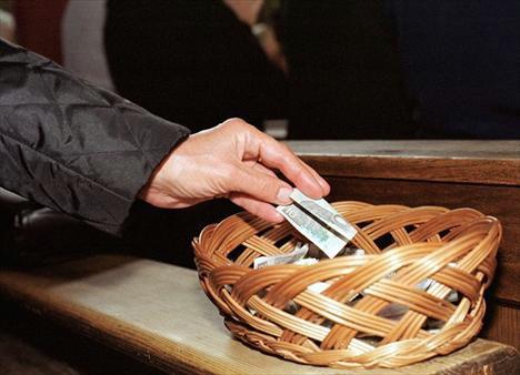 Na ispovijedima od svećenika u Pićnu i Labinu  tražio novac