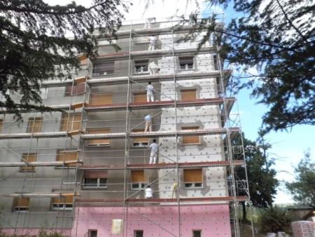 Nastavljaju se ulaganja u obnovu fasada na labinskim zgradama