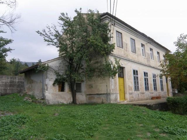 Šušnjevica: U školi se urušila međukatna konstrukcija