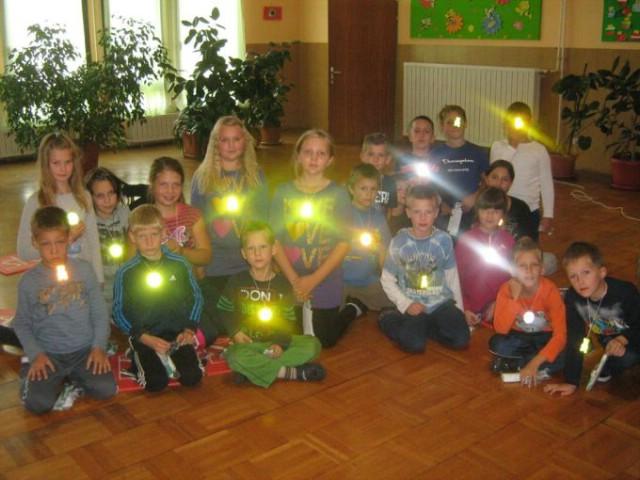 Općina Kršan nabavila mališanima reflektirajuće krijesnice za bolju vidljivost u prometu