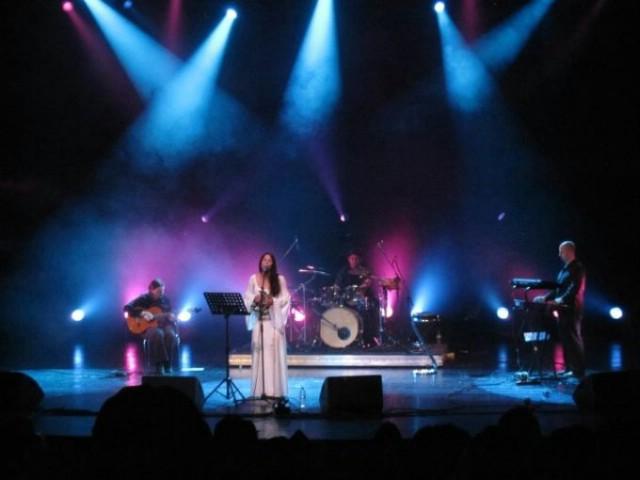 Labinski bend Loell Duinn nastupa u Rumunjskoj