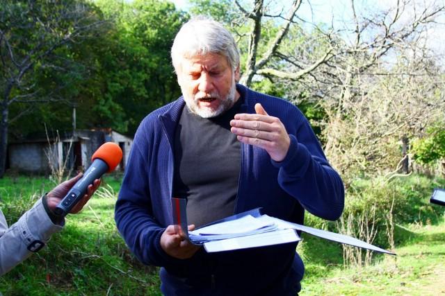 Pijemo onečišćenu vodu, poručio s izvora Kapelica nezavisni vijećnik u labinskom Gradskom vijeću Mladen Bastijanić