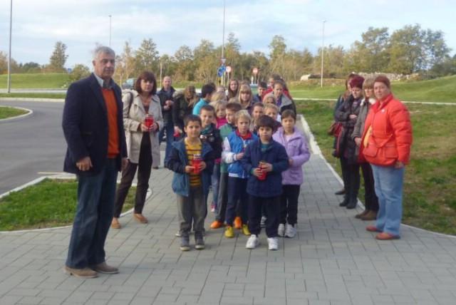 OŠ Ivo Lola Ribar obilježila Dan sjećanja na žrtve Vukovara