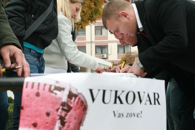 Od Grada Labina nitko nije tražio dopuštenje za ustupanje javne površine za prikupljanje potpisa protiv ćirilice u Vukovaru