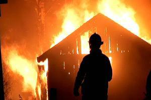 Labin: U požaru izgorjelo pola štale, životinje neozlijeđene