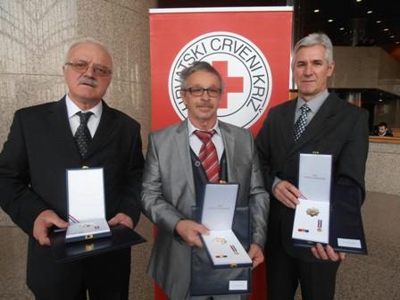 Darivatelji krvi Josip Vočanec, Josip Franković i Dario Dobrić dobili odlikovanje predsjednika Josipovića