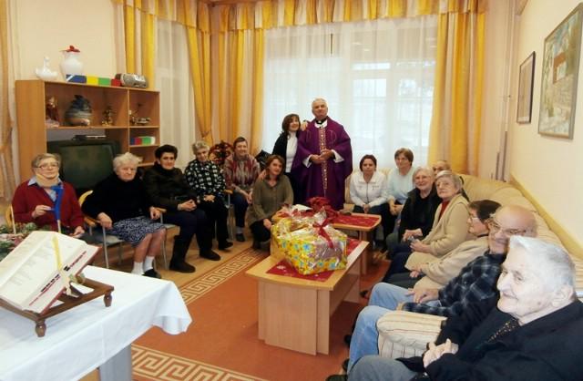 Raški Caritas darivao štićenike Doma za starije osobe u Raši