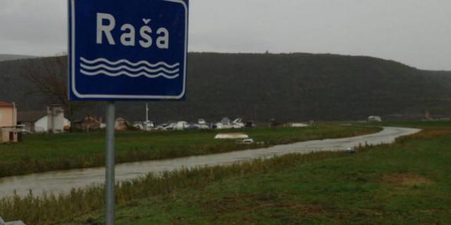 Naglo porastao vodostaj Raše kod Mosta Pićan