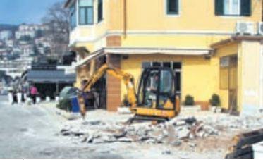 Rabac: Grad uklonio dvije  bespravne terase