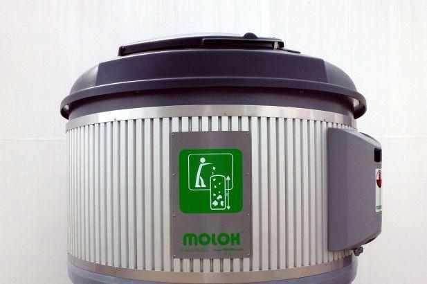 Nastavljaju se radovi na postavljanju polupodzemnih spremnika za selektivno prikupljanje otpada