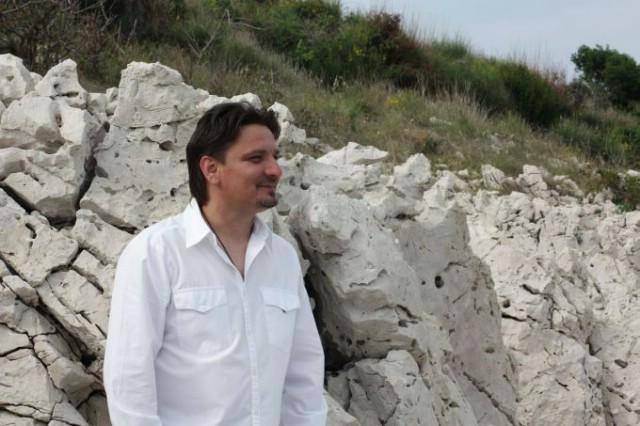 "Večeras labinski glazbenik Diego Zulijani  nastupa na  20. festivalu zabavne glazbe ""Melodije Mostara 2014"""