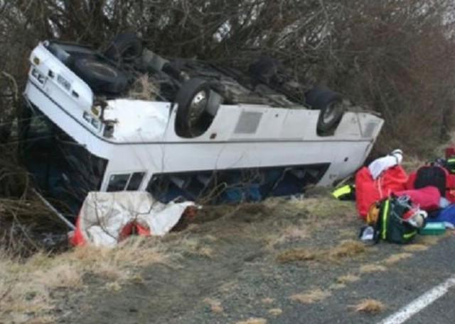Petero putnika s Labinštine ozlijeđeno u prevrtanju autobusa