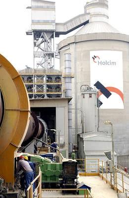 Dogovoreno povećanje plaća u Holcimu