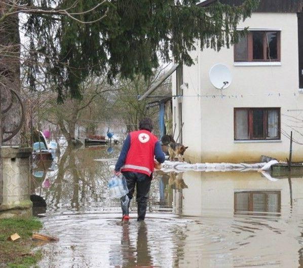 Apel Hrvatskog Crvenog križa za pomoć poplavljenim područjima u RH, BiH i Srbiji