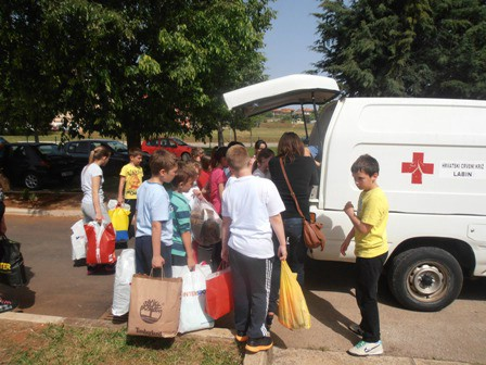 Crveni križ Labin do sada prikupio po 19.218,54 kn pomoći za svaku od država pogođenih katastrofalnim poplavama, te robe u vrijednosti od 228.208,26 kn
