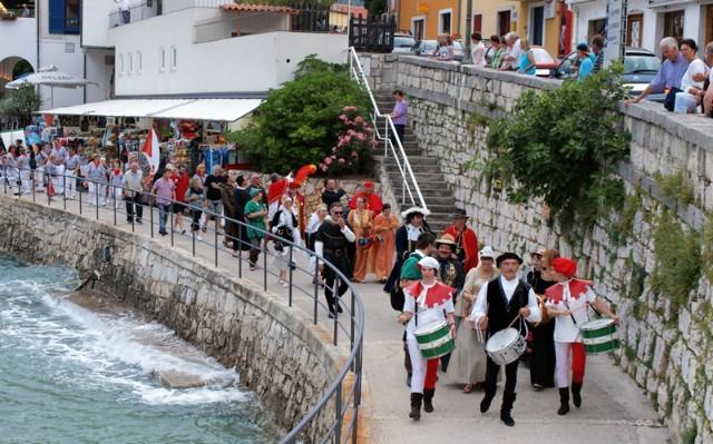 Rabac: U subotu 11. međunarodni ljetni karneval
