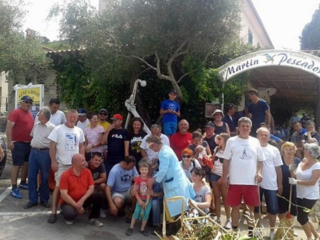Trgetari očistili plažu Proveži