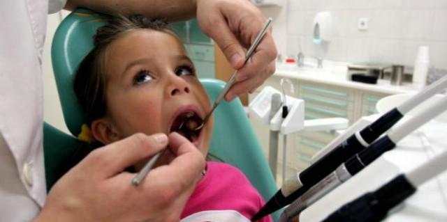 Ni djeci besplatno liječenje estetskih anomalija zuba