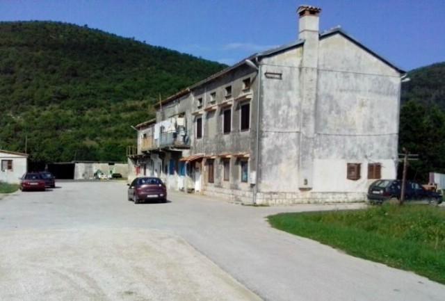 Općina obnavlja stambenu zgradu na Mostu Raši