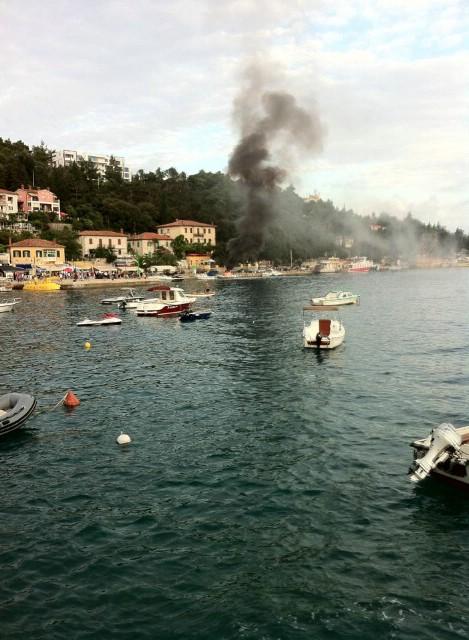 Rabac: Eksplozija i požar na gumenjaku