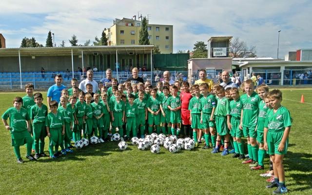 Labinjan Andrej Prskalo iz NK Rijeke darovao malim nogometašima rudara 20 lopti