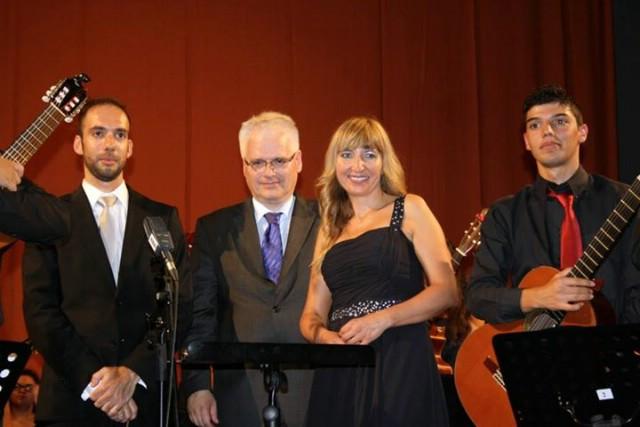 I hrvatski predsjednik dr. Josipović zasvirao na svečanom koncertu u povodu osnivanja Osnovne umjetničke škole Matka Brajše Rašana