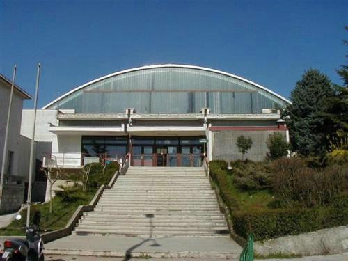 Grad Labin preuzima vlasništvo nad Sportskom dvoranom i zgradom bivšeg RIŠ-a