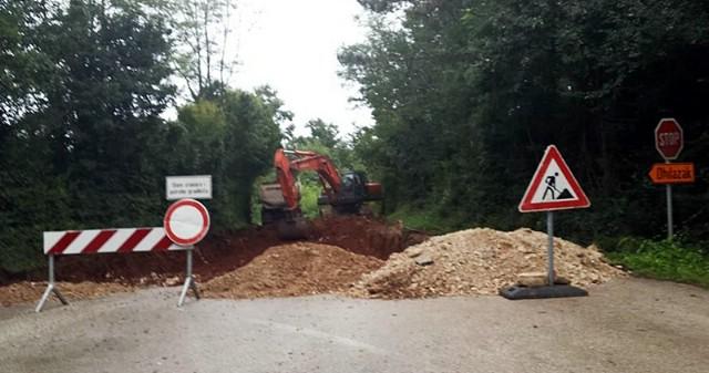 Počela rekonstrukcija ceste od deponija Cere do Vezocommerca