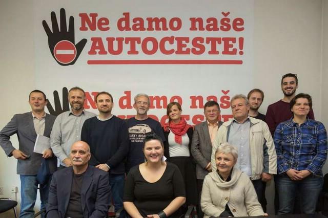 Ne damo naše autoceste: U Labinu se prikupljaju potpisi na Trgu labinskih rudara