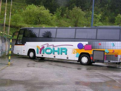Autobus na sportskom igralištu!