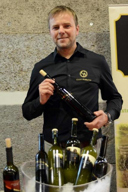 Vina Baćac iz Pićna  najbolja prema `okusu` publike na Fešti mladega vina u Svetvinčentu