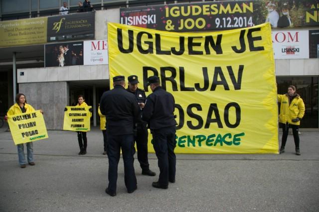 """Greenpeace transparentom poručuje """"Marubeni, dalje ruke od Plomina"""""""
