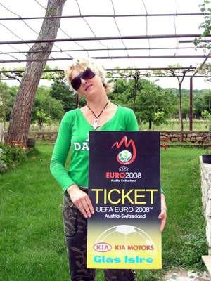 Nataša Pereša iz Kršana dobitnica ulaznice za Euro 2008 Glasa Istre