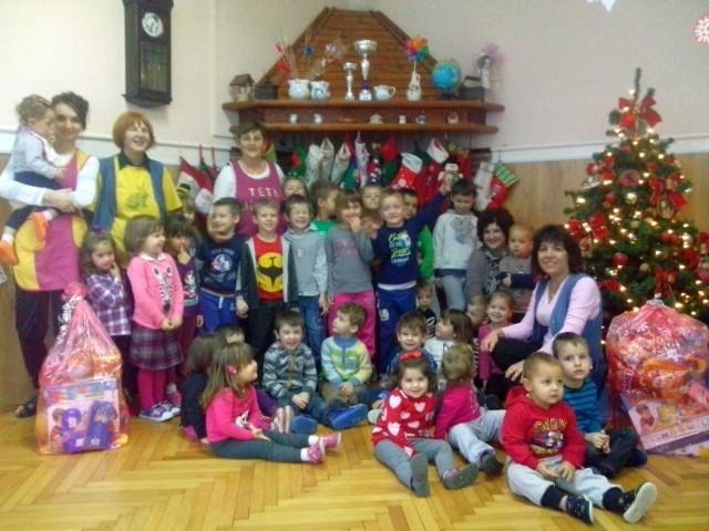 Sv. Nikola u raškom vrtiću: Pune vreće darova za mališane