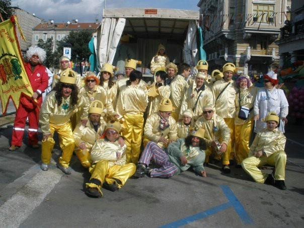 Labinjonska kompanija, domoća folšarija kreće u maškarane svečanosti