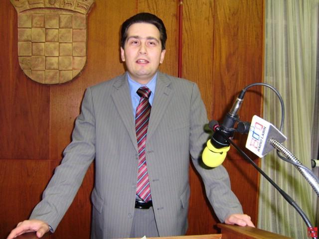Predsjednik Gradskog vijeća Labina Valter Poropat neće sazvati tematsku sjednicu o problematici prometa u gradu Labinu