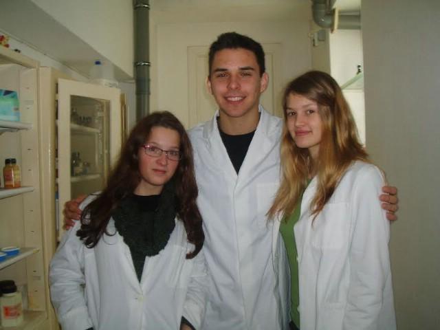 Ana, Martina i Luka osvojili 5. mjesto na 1. natjecanju u kristalnom rastu za učenike osnovnih i srednjih škola u Hrvatskoj